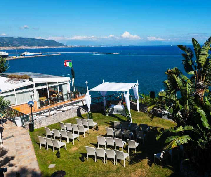 Hotel bristol vietri sul mare albergo 4 stelle vietri for 3 stelle arreda